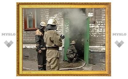 Узловские пожарные потушили холодильник