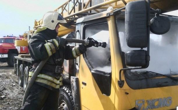 Утром 5 мая в Туле загорелся автомобиль