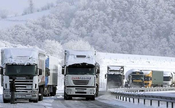В Туле из-за непогоды ввели ограничения на въезд грузовиков