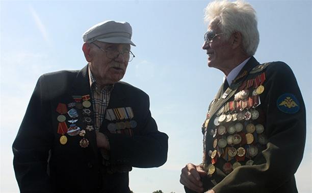 Власти поздравили военнослужащих и ветеранов ВДВ
