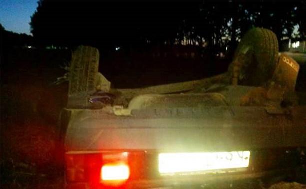«Девятка» влетела в стелу на въезде в Волово