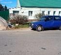 В Тульской области УАЗ сбил женщину, стоявшую возле своего авто