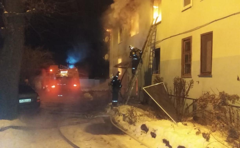 Названа причина крупного пожара в жилом доме в Алексине