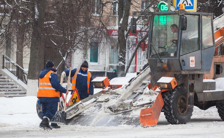 В Туле на уборку снега вывели 57 единиц техники
