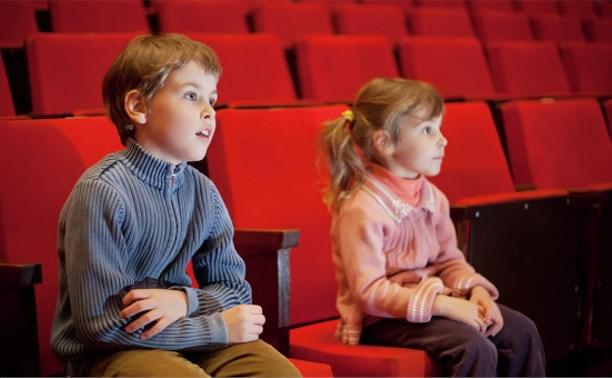 Минкультуры хочет ужесточить наказание за допуск детей на спектакли и фильмы для взрослых