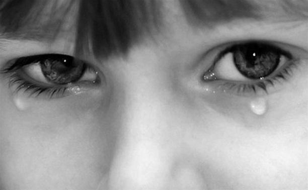 В Новомосковске молодая мама избивала свою 6-летнюю дочь