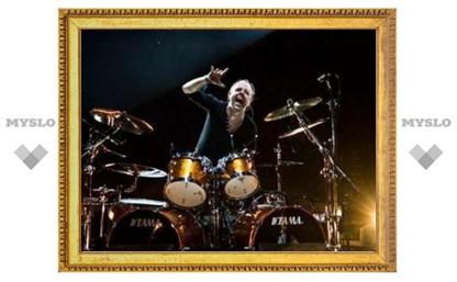 Барабанщик Metallica выставит на аукцион урок игры на ударных