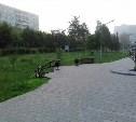 Вандалы поломали лавочки в сквере на улице Пузакова