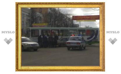 Авария парализовала движение в центре Тулы