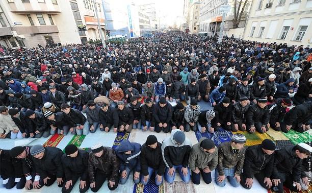 Мусульмане России отмечают Курбан-байрам