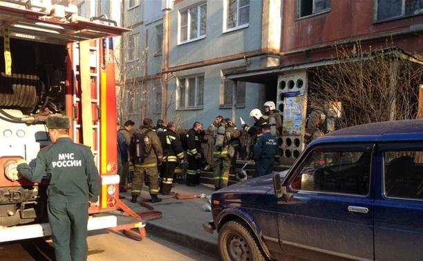 На ул. Революции загорелся жилой дом
