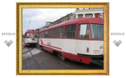 Трамвай перегородил проспект Ленина