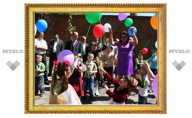 Городские депутаты подарили детям праздник