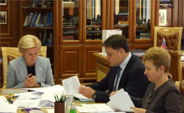Владимир Груздев:  «Мы уделяем особое внимание поддержке многодетных семей»