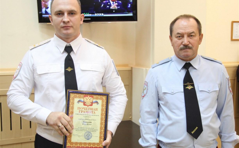 В Тульской области инспектор ДПС задержал уличного грабителя