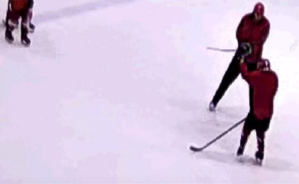 В Новомосковске родители юного хоккеиста подозревают тренера в избиении их ребенка на тренировке