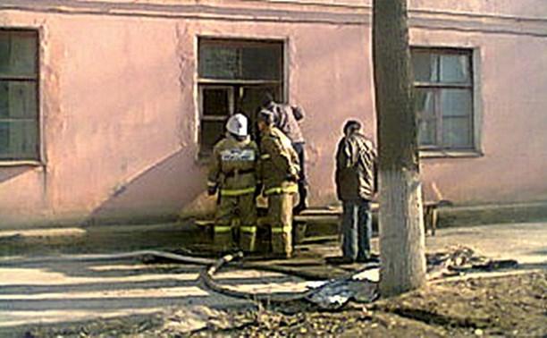 Пожарные спасли троих детей на пожаре в Белёве