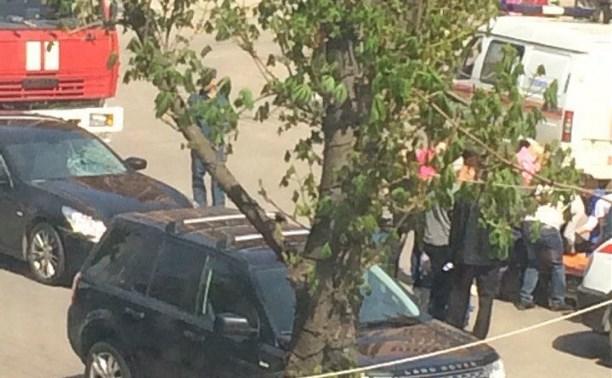 На улице Болдина водитель «Инфинити» сбил 15-летнюю девочку
