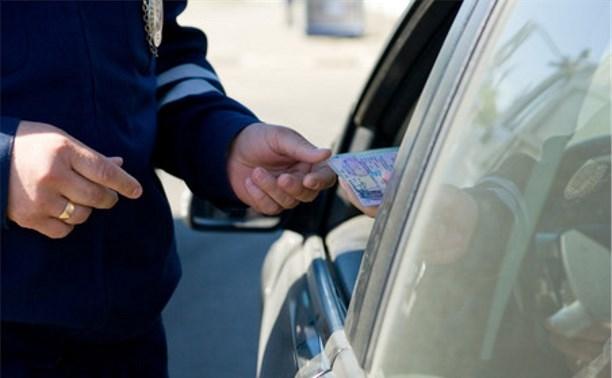 В Тульской области инспектора ДПС осудят за взятку