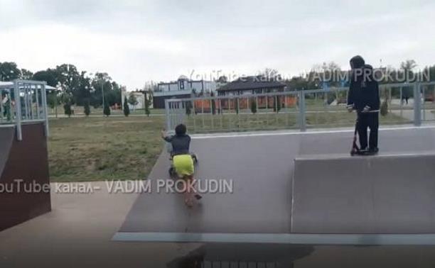 «Яжмать» из Ефремова бросалась на людей, которые хотели остановить ее «прогулку» по скейт-площадке