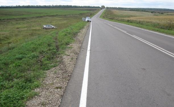 В аварии с «перевёртышем» на автодороге «Богородицк-Епифань» пострадали два человека