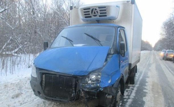 На ул. Щегловская Засека столкнулись «Рено» и грузовик