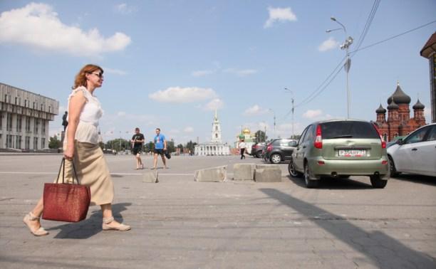 Стелу на площади Ленина отремонтируют и перенесут на метр от парковки