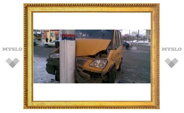 В аварии с участием двух маршруток пострадали 4 человека