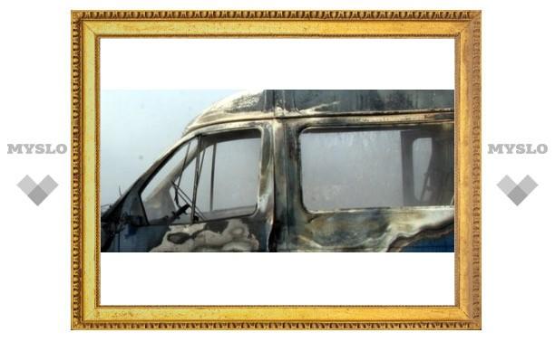В Туле горят машины