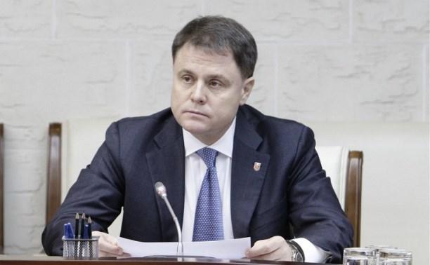 Владимир Груздев поздравил Алексея Дюмина с победой