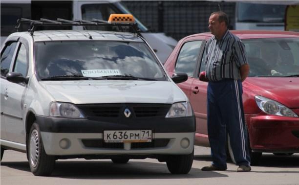 Нелегальных таксистов оштрафуют на 30 тысяч рублей или лишат прав