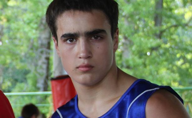 Тульский боксер прошел в третий круг первенства округа