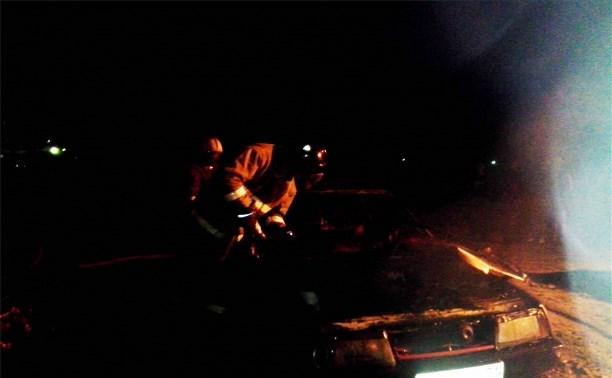 В Ясногорске ночью сгорел ВАЗ-2109