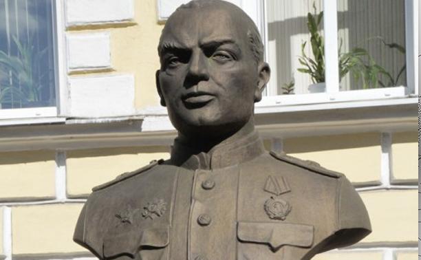 Первому директору Туламашзавода установили памятник на родном предприятии