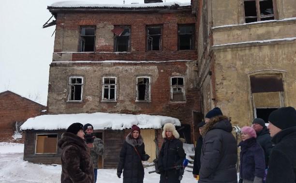 Евгений Авилов показал журналистам выход на набережную с видом на кремль