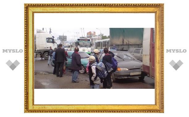 В Туле троллейбусы попали в пробку