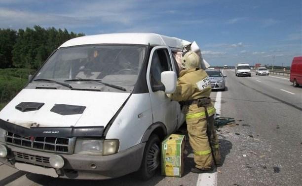 На трассе «Дон» столкнулись «Газель» и грузовик «Вольво»