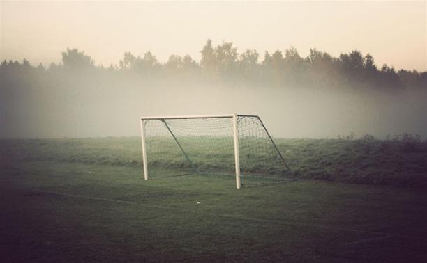 В Ефремове на 22-летнего парня упали футбольные ворота