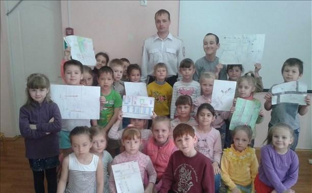 Сотрудники тульской ГИБДД устроили праздник в детском саду