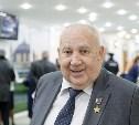 Алексей Дюмин поздравил Николая Макаровца с юбилеем