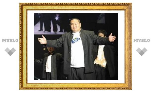 Лучший сумоист мира стал фотомоделью