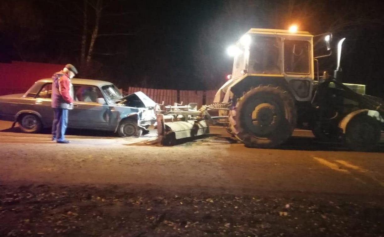 В Богородицком районе столкнулись легковушка и трактор