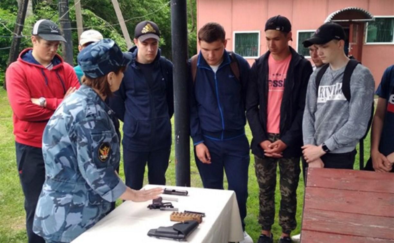 Белёвские школьники прошли военные сборы в СИЗО № 3