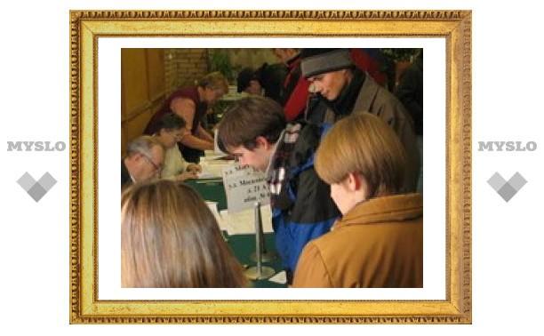 Избиратели в Новомосковске голосуют активно