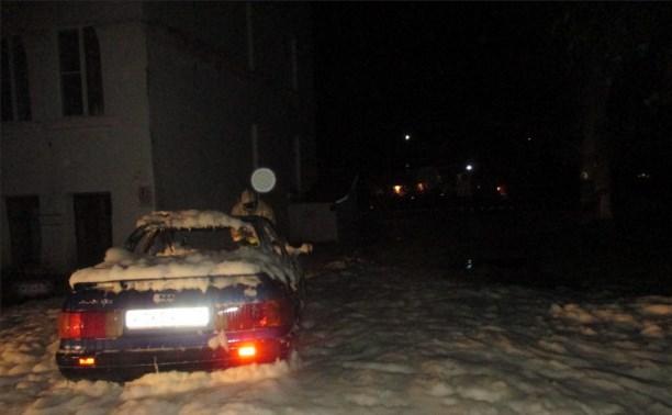 Ночью в Узловой сгорела Audi 80