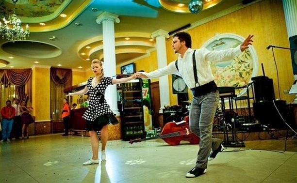 Тульские мастера акробатического рок-н-ролла посоревнуются в Подмосковье