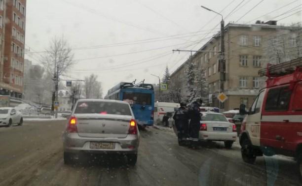 В Туле на пересечении улиц Болдина и Мира произошло ДТП