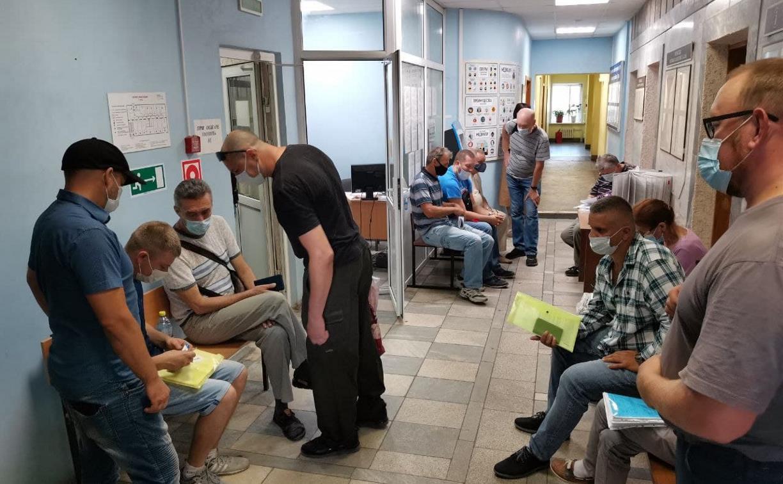 Три работника АО «Щегловский вал» проиграли в суде антипрививочные иски