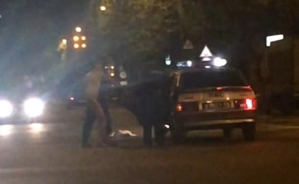 На улице Н. Руднева полицейские задержали нудиста