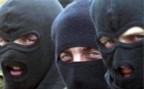В Ясногорске банда в масках похитила из магазина 150 тысяч рублей